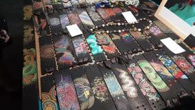 Winkel met armbanden in India stock footage