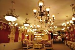 Winkel van de luxe de hangende verlichting royalty-vrije stock foto