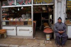 Winkel verkopende snoepjes in de bazaar van Damascus Royalty-vrije Stock Foto's