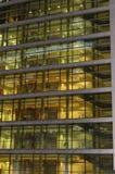 Winkelcomplex bij avond Stock Afbeeldingen