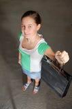 Winkelend meisje Royalty-vrije Stock Foto's