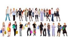 Winkelende groep mensen met kleurrijke zakken Stock Fotografie