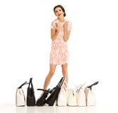 Winkelende vrouw met zakken Stock Fotografie