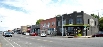 Winkels en Ondernemingen langs Brede Straat in Memphis, Tennessee royalty-vrije stock afbeelding