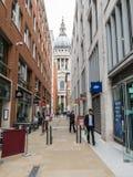 Winkels langs Queens Hoofdpassage, St Pauls, Londen Royalty-vrije Stock Foto