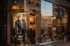 Winkelvenster en ingang van een Boggi-winkel in Milaan, Italië Royalty-vrije Stock Fotografie