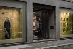 Winkelvenster van een winkel van Bottega Veneta in Milaan Stock Foto's