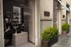 Winkelvenster van een winkel van Bottega Veneta in Milaan Royalty-vrije Stock Afbeeldingen