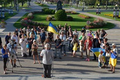 Winnipeg ουκρανικές κοινοτικές συναθροίσεις για το φυλακισμένο παραγωγό ταινιών στοκ φωτογραφία