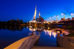 Winnipeg bij nacht stock afbeelding