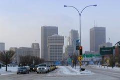 Winnipeg, Manitoba, Kanada - 2014-11-18: Winnipeg w centrum pejzaż miejski: Zima widok na Winnipeg śródmieściu widzieć od obraz stock