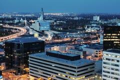 Winnipeg panorama på natten Royaltyfri Bild