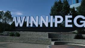 Winnipeg-Zeichen der riesigen Stadt am Gabel-Markt Manitoba Kanada stock video footage