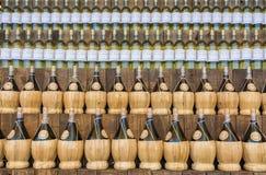 Wino butelki wino sklepy w Mediolan Obrazy Royalty Free