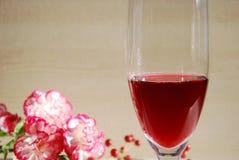 Wino i prezent dla przyjęcia zdjęcie stock