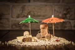 Wino korka postacie, pojęcie wakacje letni Zdjęcia Stock