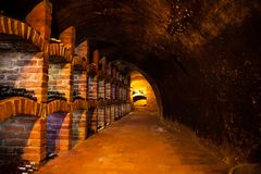 Wino loch z wiele rodzajami butelki Zdjęcia Royalty Free