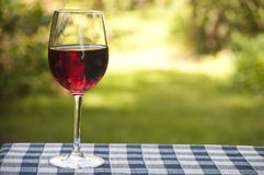 Wino na stole Zdjęcia Stock
