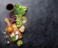 Wino, winogrono, ser i miód, zdjęcie stock