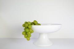 Winogrona w owocowym pucharze Zdjęcie Royalty Free
