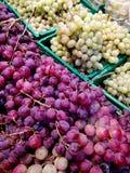 Winogrona w rynku Obraz Stock