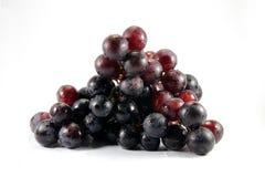 Winogrono wody kropla odizolowywa na białym tle Zdjęcie Royalty Free