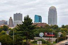 Winston-Salem, horizonte del NC fotos de archivo