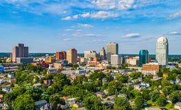 Winston-Salem North Carolina NC i stadens centrum horisont royaltyfria bilder