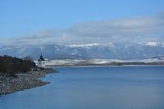 Winter湖和mountians 库存照片