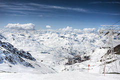 Winter-Alpenlandschaft vom Skiort Val Thorens Stockfoto