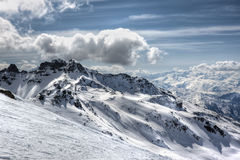 Winter-Alpenlandschaft vom Skiort Val Thorens Stockfotografie