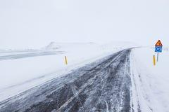 Winter-Antrieb durch vulkanische Landschaft Stockfoto