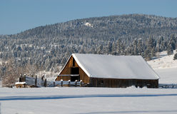 Free Winter Barn Royalty Free Stock Photography - 7582817