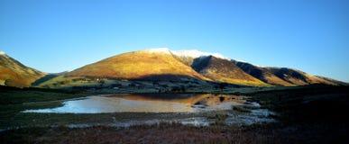 Winter bei Tewet Tarn und bei Blencathra Lizenzfreies Stockbild