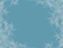 Winter bereifter Fensterhintergrund Frost und Wind am Glas Stockfoto