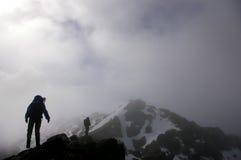Winter-Bergsteigen in Schottland Lizenzfreies Stockbild