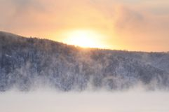 Free Winter Cold Foggy Dawn On The Yenisei River Stock Photography - 133662982