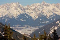 Winter in den Alpen Stockfotos