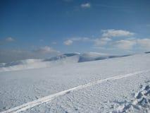 Winter in den Karpatenbergen stockfotografie