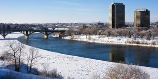 Winter in der Stadt von Saskatoon, Kanada stockfotografie