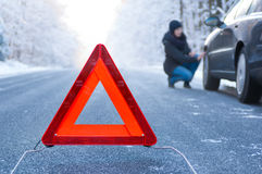 Winter driving - car breakdown Royalty Free Stock Photos