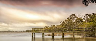 Winter durch den See Stockfotografie