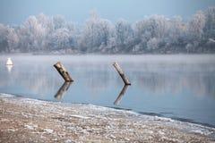 Winter-Fluss-Landschaft Lizenzfreies Stockbild