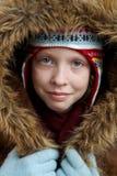 Winter gekleidetes Mädchen stockfotos