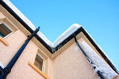 Winter, houses covered with snow Royalty Free Stock Photos