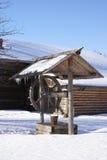 Winter im alten Dorf Stockbild
