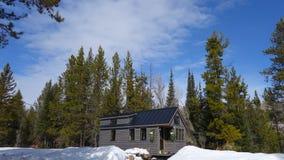 Winter-kleines Haus Stockbild