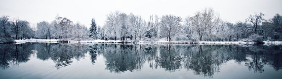 Winter lake Royalty Free Stock Images