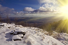 Winter landscape with shining sun Royalty Free Stock Photos
