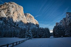 Winter landscape in the valley Royalty Free Stock Images
